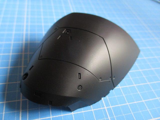 黒サーフェイサーをエアブラシで吹いたMG1/100ゲルググVer2.0の足のパーツ画像