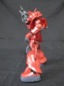 1/144HGザクⅡ赤い彗星Verザクマシンガンを持っているザク3