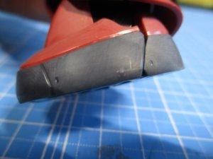 1/144シャアザクの足を表面処理した画像