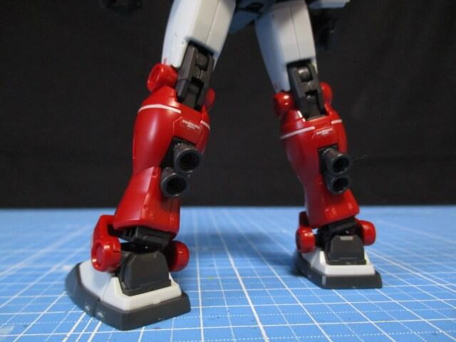 プレバン限定1/144HGジムキャノンの足のふくらはぎに付いているバーニア