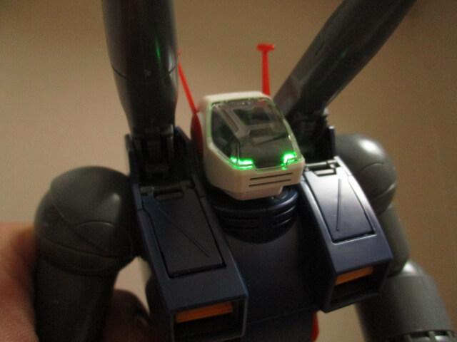 MG1/100ガンタンクの頭部LED店頭画像1