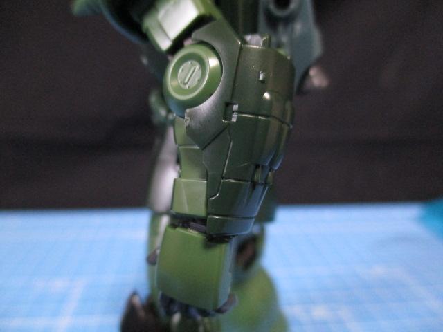 HGザクⅡタイプC-6/R6の左腕のアーマー