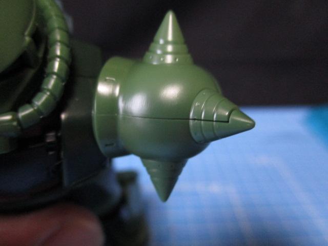 HGザクⅡタイプC-6/R6のスパイクアーマーの合わせ目