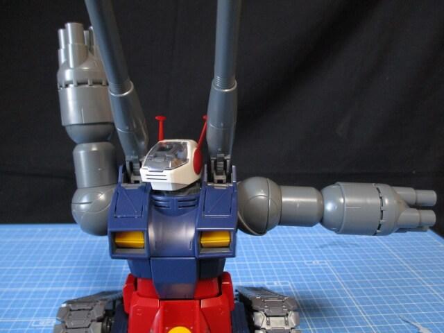 MG1/100ガンタンクの腕の可動範囲2