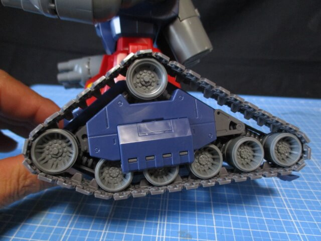 MG1/100ガンタンクのキャタピラ可動範囲画像1