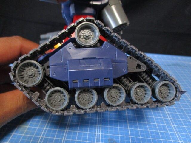 MG1/100ガンタンクのキャタピラ可動範囲画像2