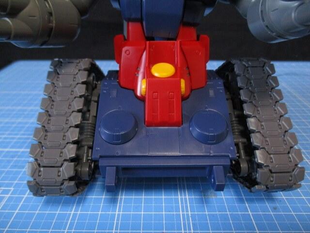 MG1/100ガンタンクのキャタピラ横方向の可動範囲画像2
