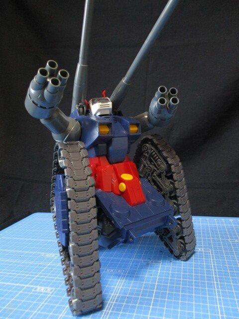 MG1/100ガンタンクのキャタピラを立てて見た所