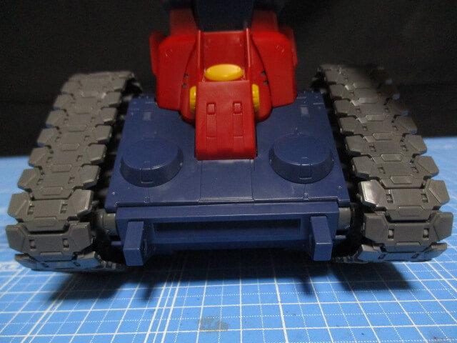 MG1/100ガンタンクのキャタピラ横方向の可動範囲画像