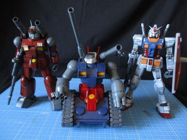 左からMGガンキャノン、MGガンタンク、MGガンダムVer3.0の完成品